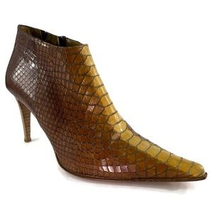 Kenneth Cole Snake Pattern Ankle Boots Size 8.5M